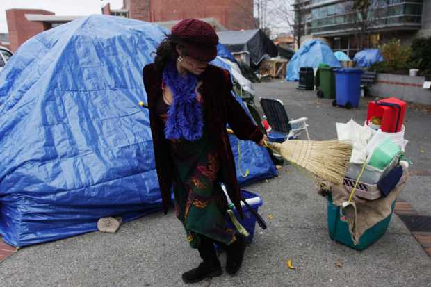 Loni Linai moves out of the Occupy Victoria camp in Centennial Square on Nov. 16, 2011.