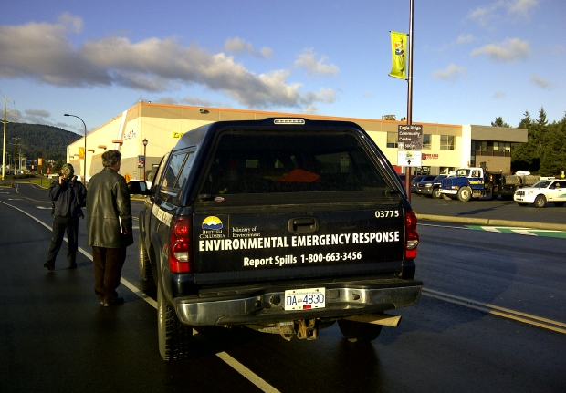 An Environmental Emergency Response vehicle attending an ammonia leak in the Westhills area on Nov. 30, 2011