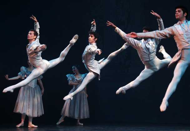 Ballet Nacional de Cuba performs a mixed program at the Royal Theatre Friday.