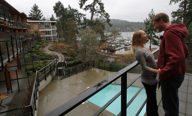 Brentwood Bay Resort: Antoine Foukal and Deanna Bekker enoy the view and each other's company