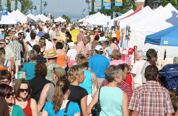 The Sidney market draws big crowds on summer Thursdays.